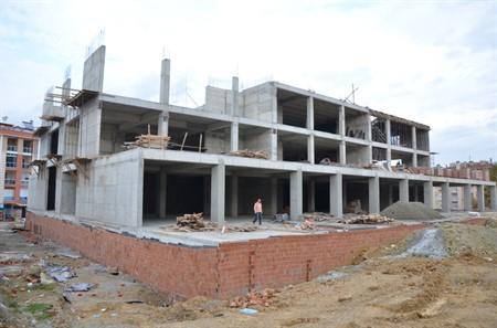 696-kultur-merkezi-insaati-hizla-yukseliyor-450x0