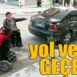 Engelliler rampa kapatan sürücülere tepkili…
