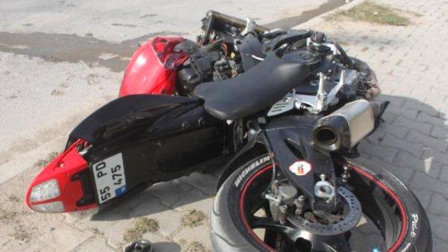 motosiklet-traktore-arkadan-carpti-1-olu-7905188_x_o