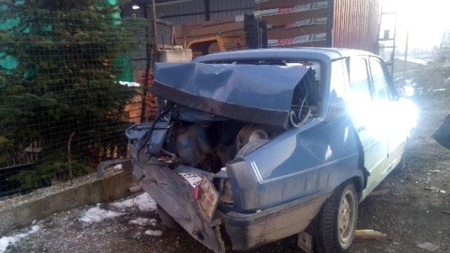 taskopru-de-kamyon-otomobile-carpti-2-yarali-7942725_x_o