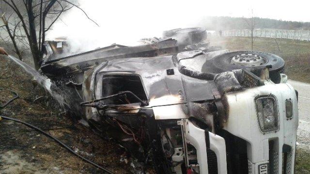 samsun-da-trafik-kazasi-2-kisi-yanarak-oldu-4-8203555_x_o