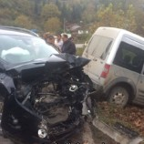Türkeli- Ayancık Yolunda İki Otomobil Çarpıştı, 1 Yaralı…..