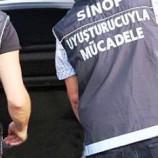 SON Dakika ; Boyabat'ta Polisten Uyuşturucu Operasyonu, 3 Göz Altı…..