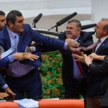 SICAK Haber : Meclisteki MAL Kavgasına Vekil Nazım Mavişte Katıldï….