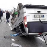 SON Dakika ; Sinop-Samsun Yolunda, Hafif Ticari Araç Takla Attı: 5 Yaralı…