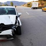 Boyabat'ta Lastiği Patlayan Otomobil Kaza Yaptı, 4 Yaralı….