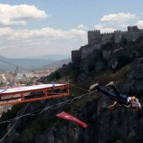 Boyabatlı Ercan Sarıkaya 135 Metrelik Kırk Kızlar Kayasından Böyle Atladı,(Videolu Haber)…