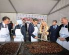 Festivalde 2,5 ton Sinop kestanesi tüketildi…