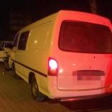 Boyabat'ta Gece Yarısı, Otomobille Minibüs Kafa Kafaya Çarpıştı, 1 Yaralı…