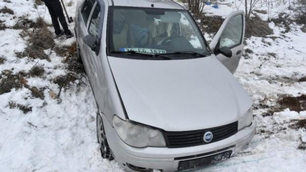Siste Kontrolden Çıkan Otomobil Tarlaya Uçtu: 3 Yaralı…