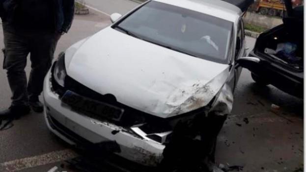 Sanayi Sitesi Kavşağında Trafik Kazası, 1 Yaralı…