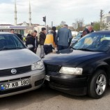 Kavşakta Kaza , 2 Yaralı…