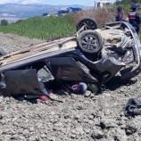 Otomobil Bariyerlere Çarpıp Tarlaya Uçtu…