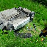 Erfelek Yolunda Otomobil Dereye Uçtu, 1 Ölü , 4 Yaralı…