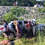 SON Dakika ; Şelale Yolunda Otomobil Dereye Uçtu, Yaralılar Var…