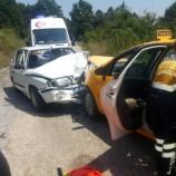 İki Otomobil Firen  Yerine Gaza Bastı, 2 Yaralı…