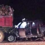 Otomobil Odun Yüklü Traktöre Arkadan Çarptı, 1 Ölü…