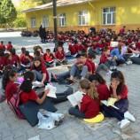 Boyabat'ta Tüm Öğrenciler Bahçede Birlikte Kitap Okudu…