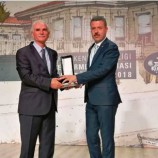 Başkan Çakıcı Ödülünü Aldı…