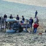 Köyde Traktör Devrildi , 1 Ölü…
