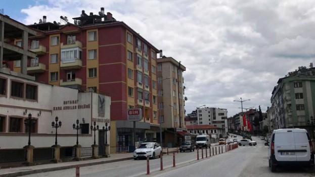 Boyabat'ta Sessiz Arife Günü, Sokaklar Bom Boş Kaldı…