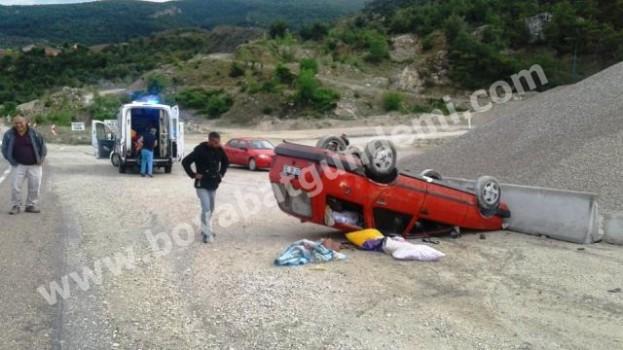 Boyabat'ta Otomobil Takla Attı, 3 Yaralı…