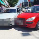 Dört Yolda Maddi Hasarlı Trafik Kazası..