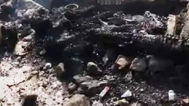 Köyde Çıkan Yangında, İki Katlı Ev 10 Dakikada Kül Oldu…