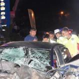 """Otomobil Gece """"TIRI"""" Görmedi Arkadan Girdi, 1 Yaralı…"""