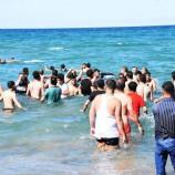 Akliman Bölgesinde Denize Giren Aile, Rip Akıntısına Yakalandı, Ölümden Döndüler…
