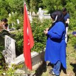 Boyabat MHP'Lİ Kadınlardan Ülküçü Şehitlerin Kabirlerine Ziyaret…