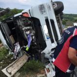 Boyabat -Sinop Kavşağında Kamyon Bariyere Girdi, 1 Yaralı…