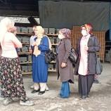 İYİ Kadınlardan , Toprak Sanayi Emekçi Kadınlarına Ziyaret…