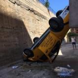Ticari Taksi 5 Metreden Yere Çakıldı….