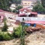 Sinop Türkeli'de Fabrikanın Sele Kapılma Anı, Kamerada-