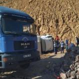 Gaziantep'ten Gelen Yardım TIR'I Boyabat'a Kaza  Yaptı, 1 Yaralı…