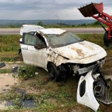 otomobil devrildi: 2 yaralı…