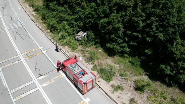 Boyabat'ta Otomobil Şarampole Yuvarlandı: 2 Yaralı…