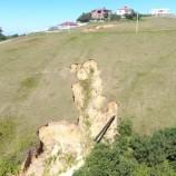 Sinop'ta Ürküten Görüntü Toprakta Derin Yarıklar Oluştu, Vatandaşlar Tedirgin, Mahalle Boşaltılacak mı?
